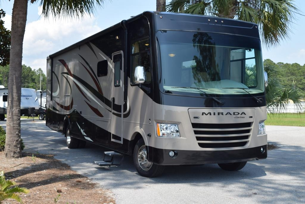 Top RVs To Rent - Class A Motorhome