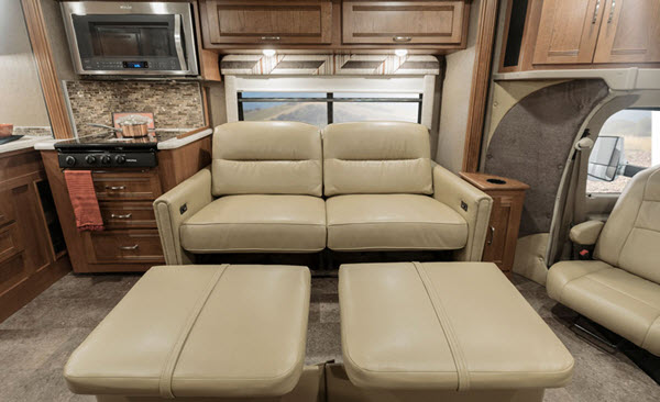 Top 5 Best Class C Campers For Couples - RVingPlanet Blog