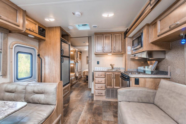 Fantastic Top 5 Best 2018 Motorhomes With Bunk Beds For The Kids Download Free Architecture Designs Lukepmadebymaigaardcom