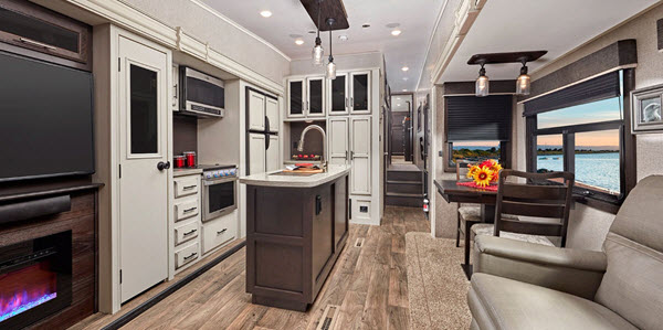 Top 5 Best Fifth Wheel Campers With Outdoor Kitchens Rvingplanet Blog