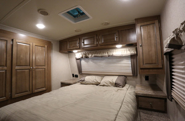 Super Lite Travel Trailers >> The Top 5 Best Front Kitchen Travel Trailers - RVingPlanet Blog