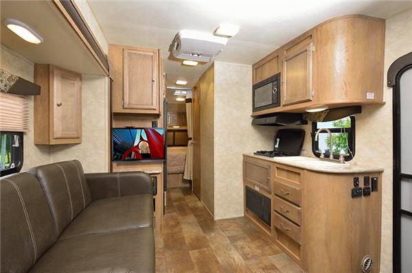 top 5 best travel trailers under 5 000 pounds rvingplanet. Black Bedroom Furniture Sets. Home Design Ideas