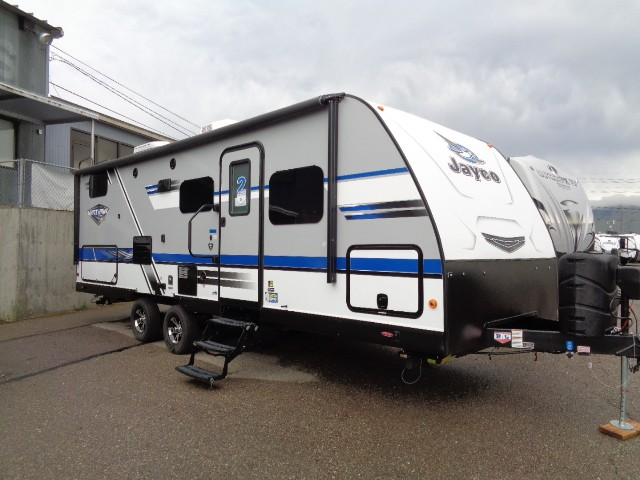 The Top 5 Best Front Kitchen Travel Trailers - RVingPlanet Blog